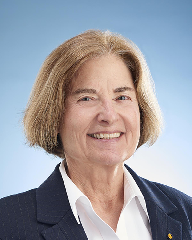Headshot of Cynthia Beall